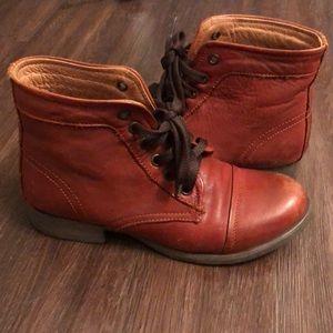 Combat boots size 6